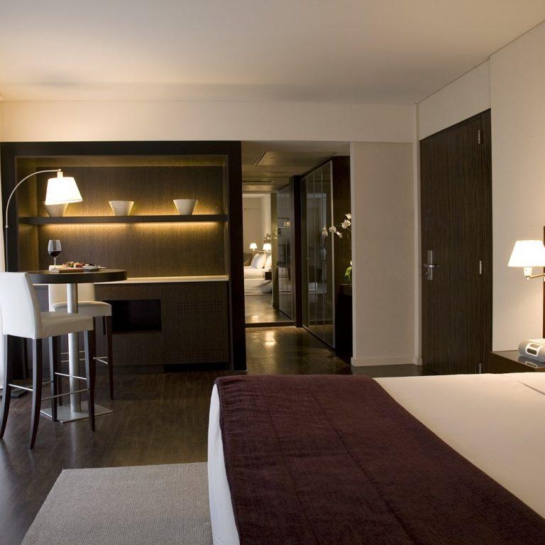 Hotel Madero - Corner Room 1